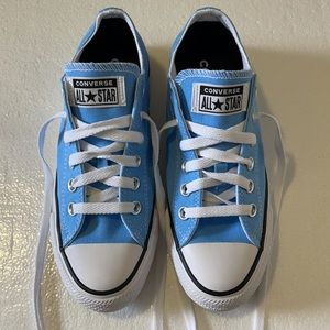 Converse low top Light blue and white sneakers